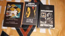Продам книги  бу детективный жанр