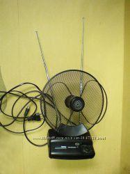 Универсальная комнатная активная антенна DVB-T Hama R1044286 Германия