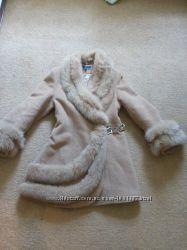 красивое  зимнее  полу пальто