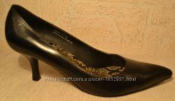 р. 37 Англия, Fiore, натуральная кожа. Изящные уютные классические туфли