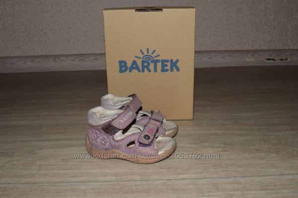 Босоножки Bartek