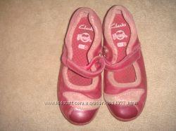 Бордовые туфельки Clarks, тапочки р. 25
