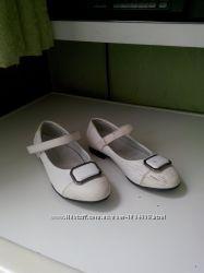 Туфли кожзам 30- го размера