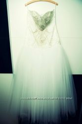 Продам шикарное не венчаное итальянское свадебное платье расшитое камнями