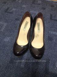 Туфлі класика лак