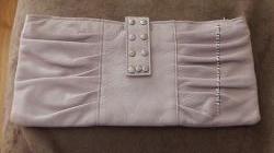 Кожаный клатч бледно-розового цвета
