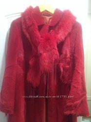Шуба красного цвета