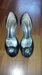 Лаковые босоножки, туфли