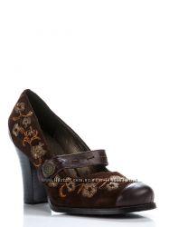 Туфли темно-коричневые с вышивкой