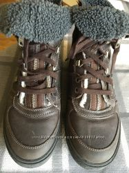Зимние ботинки фирмы John Galliano