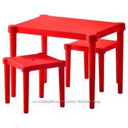 Ikea Икеа Уттер Детский стол и 2 стула, красный