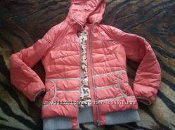 Теплая и яркая куртка