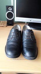 Школьные кожаные туфли. 39р