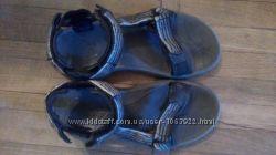 Треккинговые сандалии Teva 42 43 р