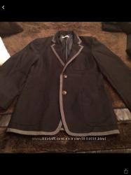 Пиджак на мальчика 14-16 лет школьный.