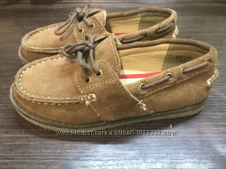 Замшевые туфли английской фирмы F&F .