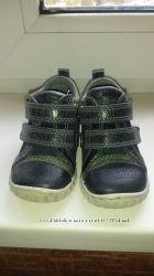 Ботинки туфли кроссовки ессо light р19 в идеальном состоянии