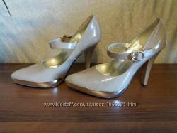 Новые фирменные туфли Blossem 35  р
