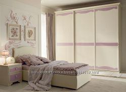 Мебель для юной леди,  Италия