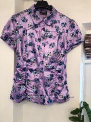 Яркая атласная блузка OGGI