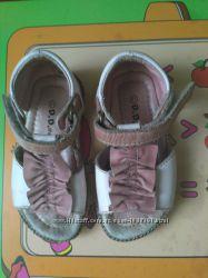 Кожаные босоножки D. D. Step Венгрия на девочку р. 21
