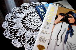Вязаная салфетка белого цвета