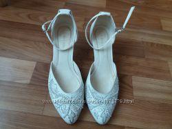 Продам свадебные туфли Louisa Peeresa.