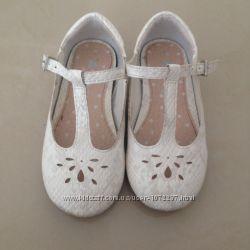 Туфельки для девочки Next размер 23
