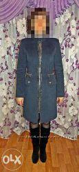 стильнячее пальто синего цвета новое