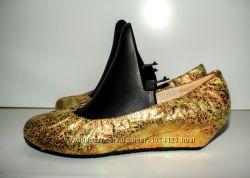 Туфли, балетки с танкеткой H. Valentina 40-41р Переливающееся Золото