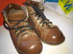 Ортопедическое кожаные ботиночки зимние на шнурочках