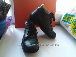 Демисезонные ортопедические ботиночки для мальчика на шнурочках фирмы Ортек