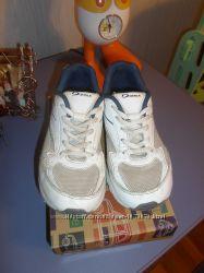 Продам кроссовки Demix демикс р. 33, стелька 20 см, на мальчика