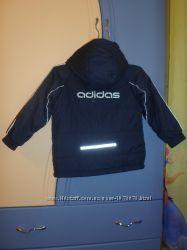 Продам фирменную куртку Адидас осень, 5-6 лет Adidas