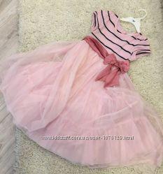 Нарядное платье NEXT с пышной юбкой на 5-7 лет