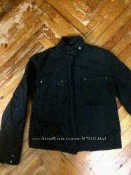 Демисезонная чёрная куртка