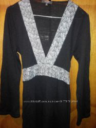 платье -туника вязанное черное с серым поясом