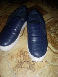 Слипоны синие в отличном состоянии размер 37-38