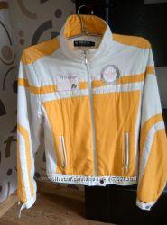Куртка спортивная осеняя светлая