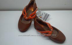 Фирменные кожаные туфельки девочкам