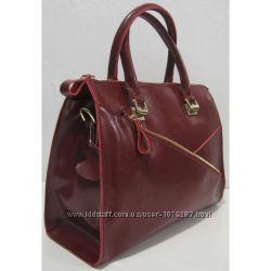 Женская кожаная сумка с карманом на фасаде
