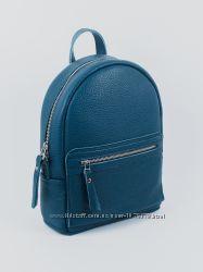 Рюкзак для девушек, синего цвета.