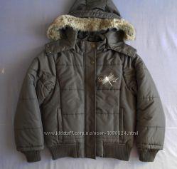 Зимняя курточка на девочку, р. 140.