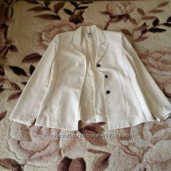 Женский светлый пиджак Жіночий світлий жакет