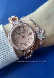 Наручные женские часы ибраслет сваровски