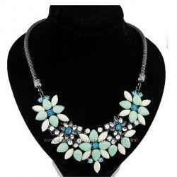 Колье ожерелье с цветами зеленое