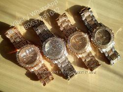 Женские часы с камнями своровски