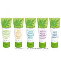 Продукция по уходу за телом и волосами Herbal Aloe от Herbalife