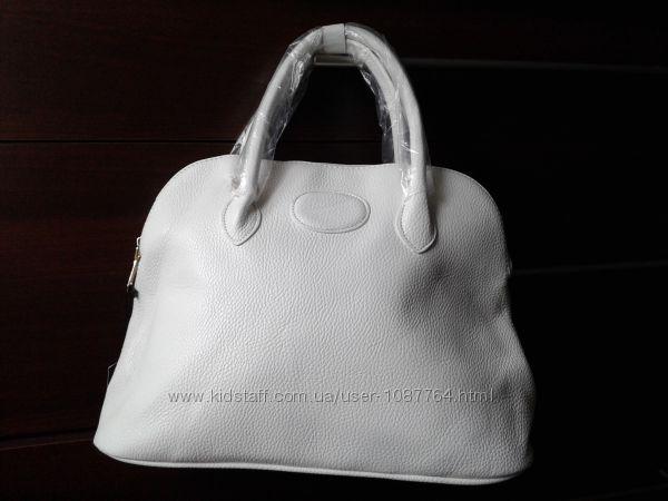 Модная белоснежная женская сумка