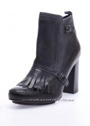 новые натуральные ботинки Carlo Pazolini